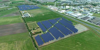Dit is een zonnepark, maar niet in Rhee. Foto DvhN