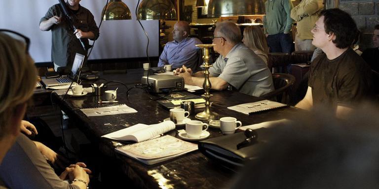 Een cursus veiligheid bij schietclub Filadelfia in Eelde. In Noord-Drenthe is dit de enige nog bestaande schietclub, nu De Voltreffers te ziele is gegaan. Foto Duncan Wijting