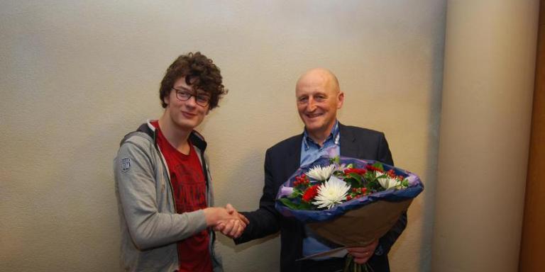 Almar van der Wekken en wethouder Lohuis FOTO GEMEENTE MIDDEN-DRENTHE