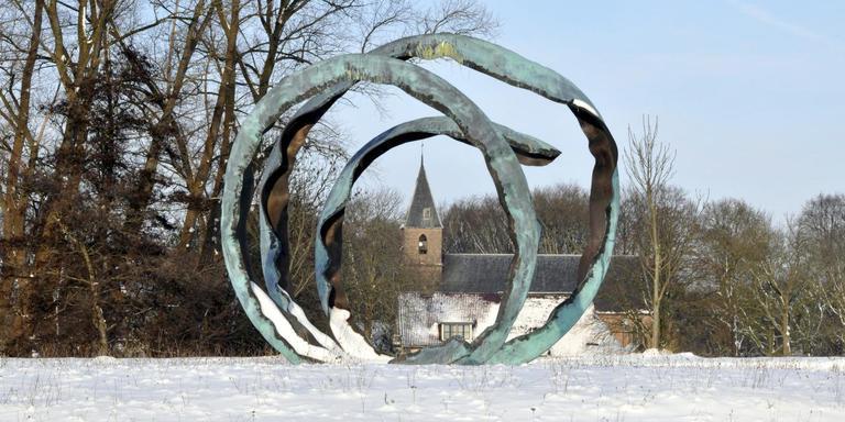 Kunstwerk De Ontmoeting van Ruud van de Wint keert in aangepaste vorm terug in Ruinerwold. Foto DvhN