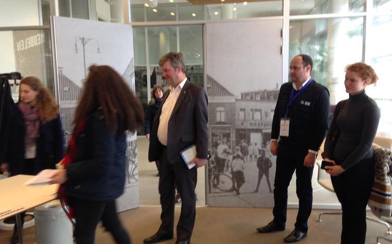 Europa kijkt mee bij stembureau Coevorden: gaat dat stemmen wel eerlijk?