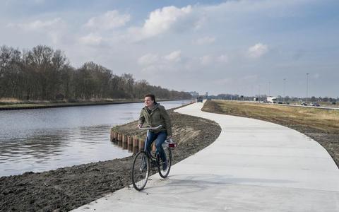 Snelle fietsroute langs het Noord-Willemskanaal.