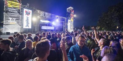 Het TT Festival in betere tijden. Dit jaar trok het TT Festival 35.000 minder bezoekers. Foto Archief Jaspar Moulijn