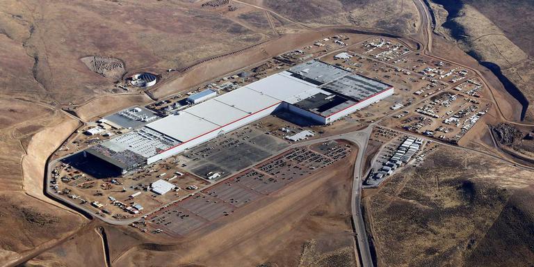 De Gigafactory van Tesla die momenteel in Sparks (Nevada) wordt gebouwd. TopDutch wil zo'n accufabriek graag in het Noorden.