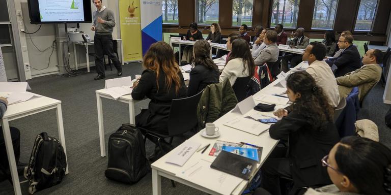 Andre Faaij tijdens een cursus voor een internationaal gezelschap studenten in november 2017.