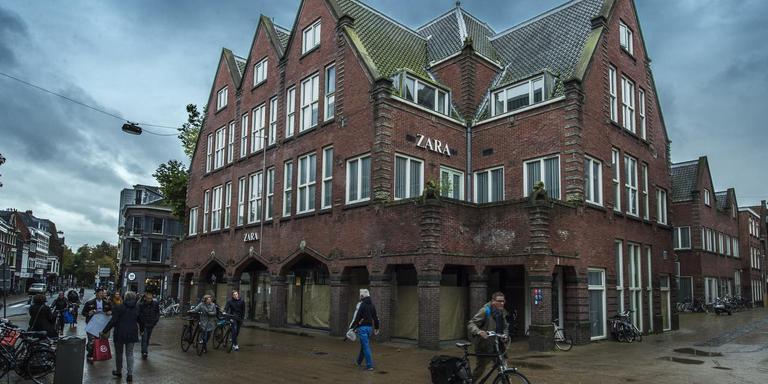Het voormalige pand van Zara op de hoek Herestraat-Gedempte Zuiderdiep is een van de objecten die Hanzevast heeft afgestoten. Foto: Archief Duncan Wijting