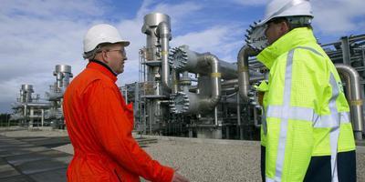De gaswinning gaat de komende jaren snel omlaag, volgens minister Wiebes. Foto: Archief DvhN