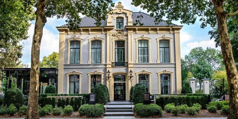 Coperto Restobar zit in het Pillow Grand Hotel Ten Borch, Zwolle