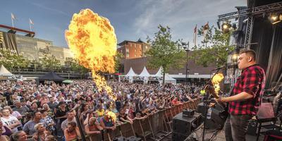 Mooi Wark bij een ander optreden, tijdens het TT-Festival 2017. Foto Marcel Jurian de Jong/Archief DvhN