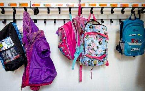 Dit nieuwe schooljaar geldt nog steeds de regel dat een hele klas moet thuisblijven als één kind positief is getest op het coronavirus.