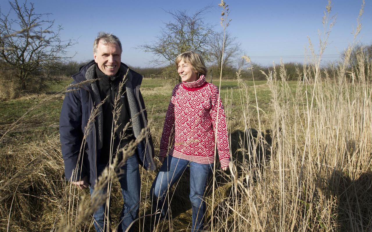 Boer Peter Harry Mulder is genomineerd voor de Gouden Grutto, omdat hij als een van de weinige boeren in zijn bedrijfsvoering echt rekening houdt met de natuur. Rechts zijn partner Eline Ringelberg.