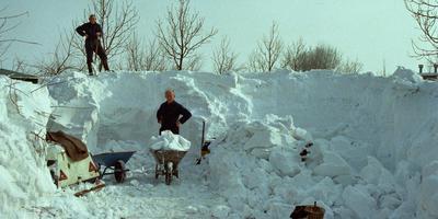 Samen sneeuwruimen. Foto: Jan A. Blaak