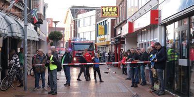 Belangstelling voor de brand in de winkelstraat in hartje Winschoten.