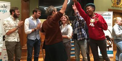 Grote vreugde bij leerlingen en docenten van het Kamerlingh Onnes. Foto DvhN