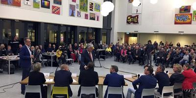 Het verkiezingsdebat in Het Hogeland College in Warffum. Foto DvhN