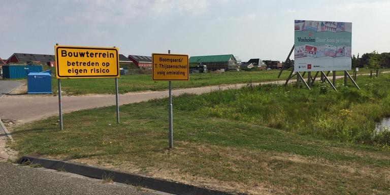 Tijdelijke toegangsweg tot nieuwbouwwijk Vosholen in Sappemeer. foto dvhn