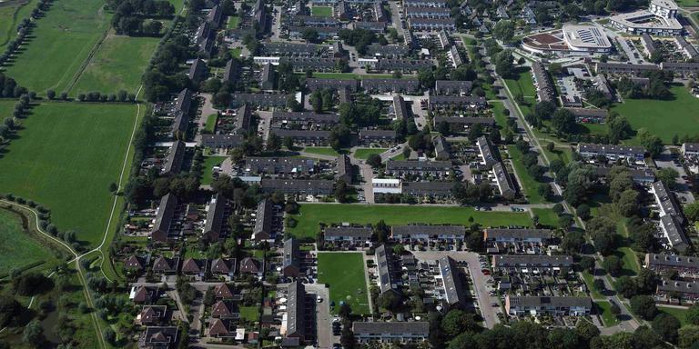 Luchtfoto van de wijk Opwierde Zuid in Appingedam die de komende drie jaar volledig op de schop gaat vanwege de aardbevingen.