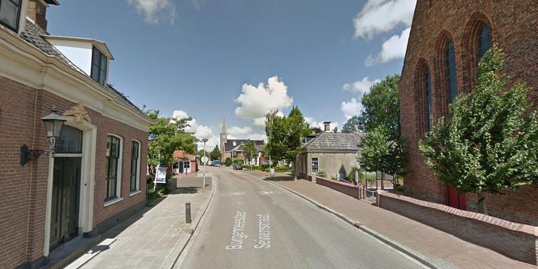 De doorgaande weg in Aduard op een foto van GoogleMaps.