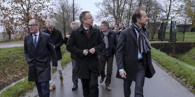 Hans Alders, René Paas en Eric Wiebes. Foto: DvhN/Jan Zeeman