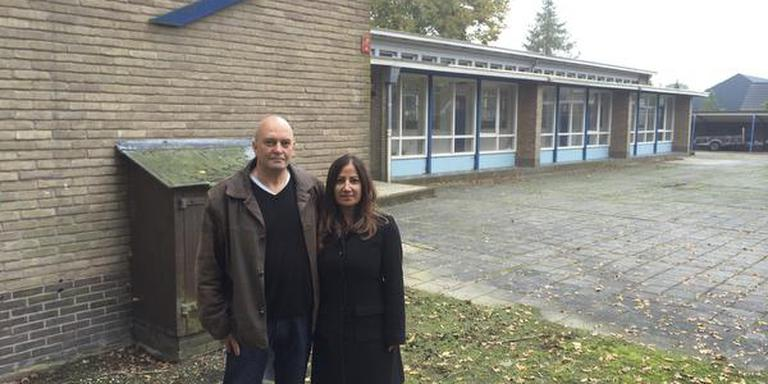 De familie Erega bij hun Wiekhuus in Zevenhuizen. FOTO ARCHIEF DVHN