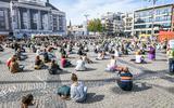 Ruim 200 mensen bij actie voor Moria in Groningen. Wethouder Chakor: 'Wij staan klaar om steentje bij te dragen'