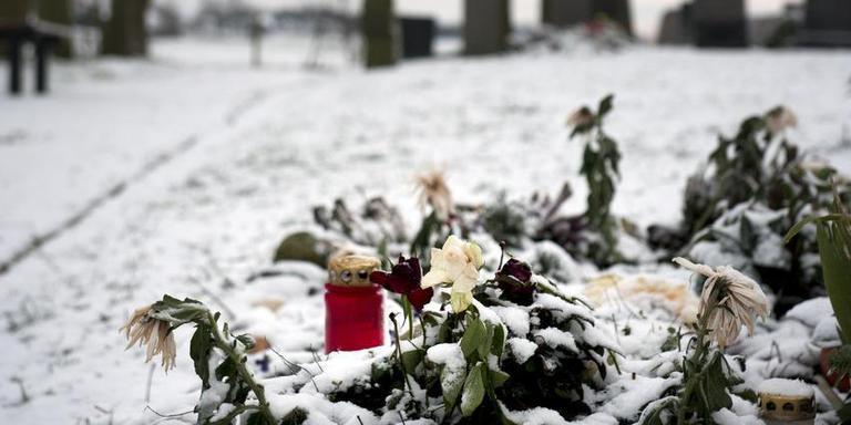 Het graf van op Loauwersoog omgekomen man en dochter op begraafplaats Wierumerschouw. Foto: Reyer Boxem