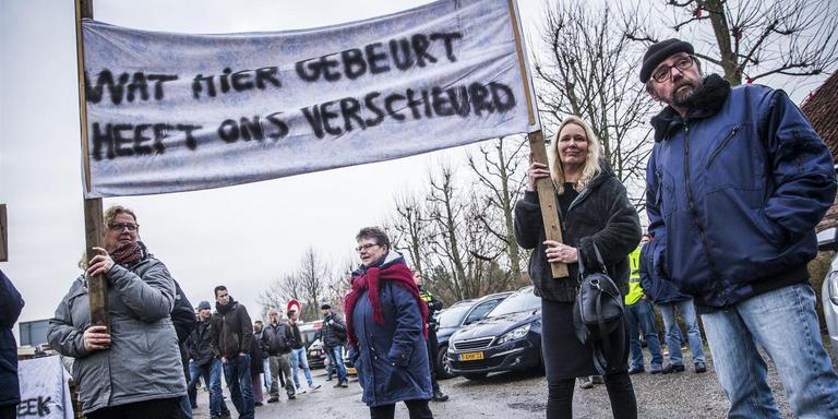Protest in Zeerijp bij het bezoek van Minister Eric Wiebes in januari van dit jaar. Foto: Archief ANP