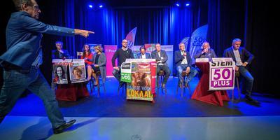 Onder leiding van Dagblad van het Noorden-verslaggever Koos Bijlsma debatteerden negen lijsttrekkers uit het Westerkwartier een laatste keer. Foto Jilmer Postma