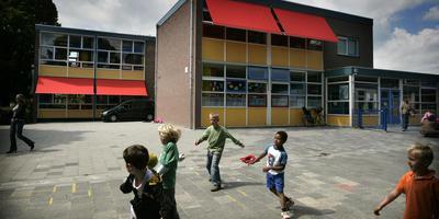 De Katholieke Daltonschool Bisschop Bekkers krijgt geld om aardgasvrij te worden. Foto: Archief DvhN/Jan Willem van Vliet