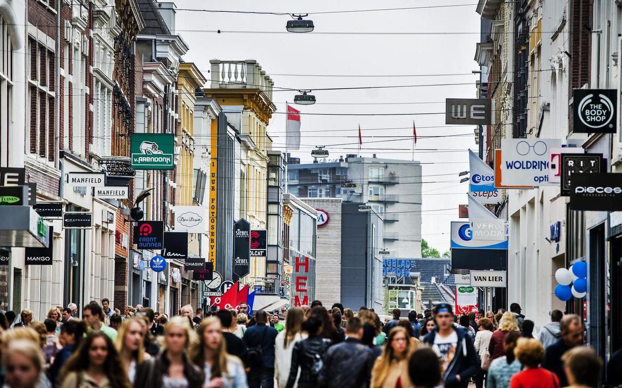 De drukste winkelstraat van Groningen, de Herestraat. Foto: ANP/Remko de Waal