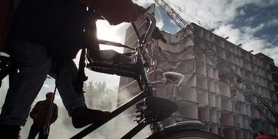 Vanaf 2003 raasde de sloopkogel door Delfzijl-Noord. Ruim een kwart van de huizen ging plat. Foto: archief Reyer Boxem