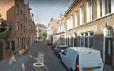 Man gooit huisraad op straat in centrum Groningen, springt er zelf achteraan en wordt aangehouden