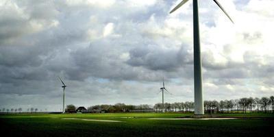 Windmolens bij Meedhuizen. Staan ze straks ook bij Pekela? Foto: Anne Marie Kamp
