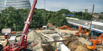 De werkzaamheden bij het spoor m.b.t. de aanleg van de nieuwe zuidelijke rondweg. Foto: Archief Peter Wassing
