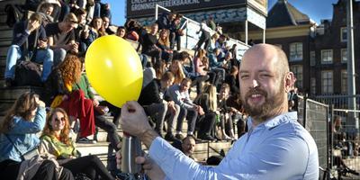 Nachtburgemeester Merlijn Poolman wil de discussie over lachgas tijdens het uitgaan aanzwengelen. Foto: Peter Wassing Groningen.