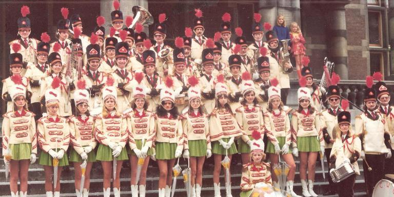 CWO in vroeger tijden met majorettes en drumband. Eigen foto