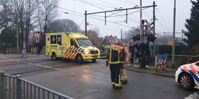 De spoorwegovergang in Haren waar de aanrijding plaatsvond. Foto: 112Groningen