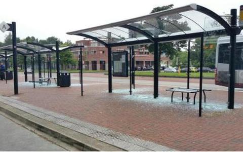 Vandalen slaan toe rond busstation Stadskanaal