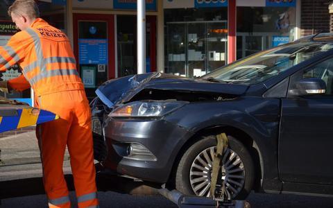 Motorrijder raakt gewond bij frontale botsing in Ter Apel
