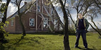 Caspar Wechgelaer moest zijn honderd jaar oude boerderij laten slopen wegens bevingsschade.