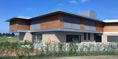 De Nieuwe School in Uithuizen was eind 2017 klaar, maar is nooit in gebruik genomen. Foto DvhN