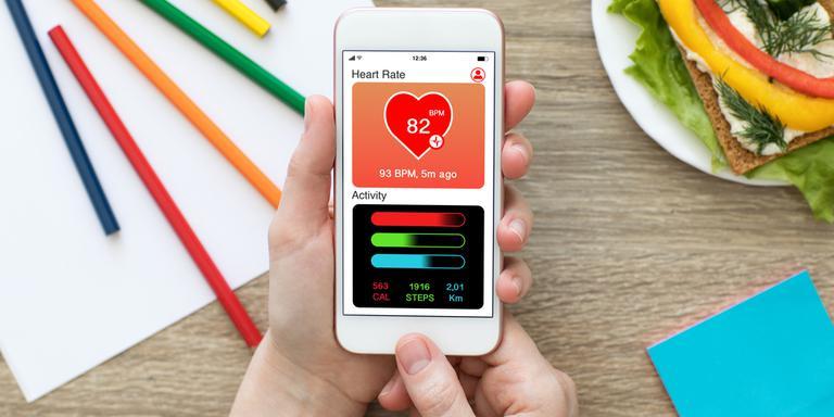 Gezondheidsapps zijn er genoeg, maar zo revolutionair als die van LifeLines zijn ze nog niet. Afbeelding is niet de app van LifeLines. Foto: Shutterstock