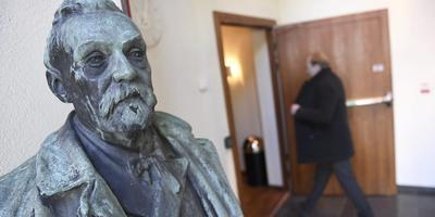 Borstbeeld van Alfred Nobel.