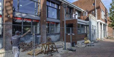 Na herhaald uitstel staat de oplevering van het nieuwe Gezondheidsplein in het oude postkantoor in Delfzijl nu gepland voor 1 november: te laat voor het OZG om zijn dependance nog dit jaar te openen.
