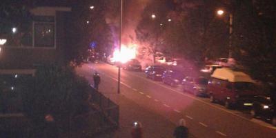 De brandende auto in de Kastanjelaan.