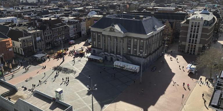 Hoeveel bomen passen er op de Grote Markt in Groningen? Foto: Chris Bakker