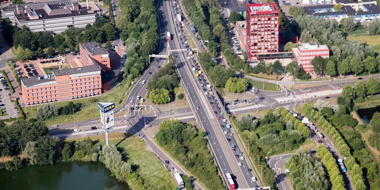 Op deze plek langs de Zuidelijke Ringweg, het Europaplein, is al het groen inmiddels vrijwel verdwenen. Archieffoto DvhN