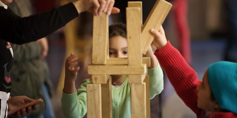Uitgeprocedeerde asielkinderen zijn niet altijd gelukkig in het land van herkomst, blijkt uit onderzoek. De foto heeft geen relatie tot het artikel. Foto: Archief DvhN