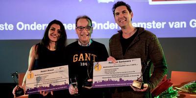 De winnaars samen met wethouder Joost van Keulen (midden). Foto: Baudewijn Neumann