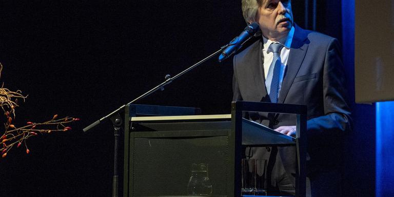 Burgemeester Beukema van Delfzijl, hier op de gemeentelijke nieuwjaarsreceptie, houdt voortaan spreekuur voor de inwoners van zijn gemeente. Foto: Archief Duncan Wijting